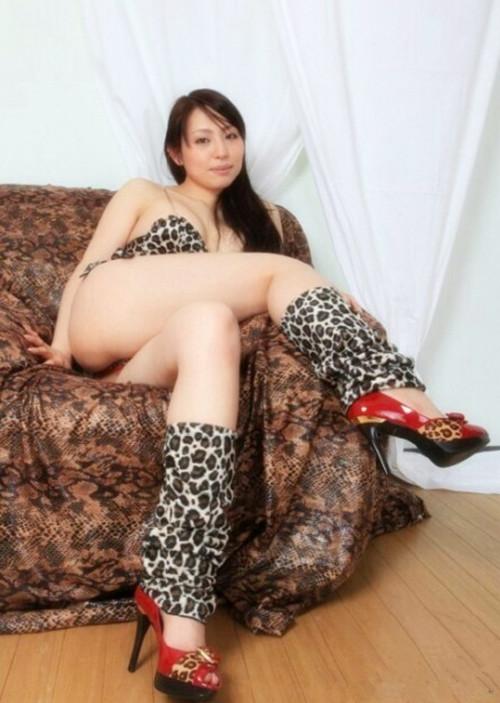 japonaise gros seins escort bellegarde